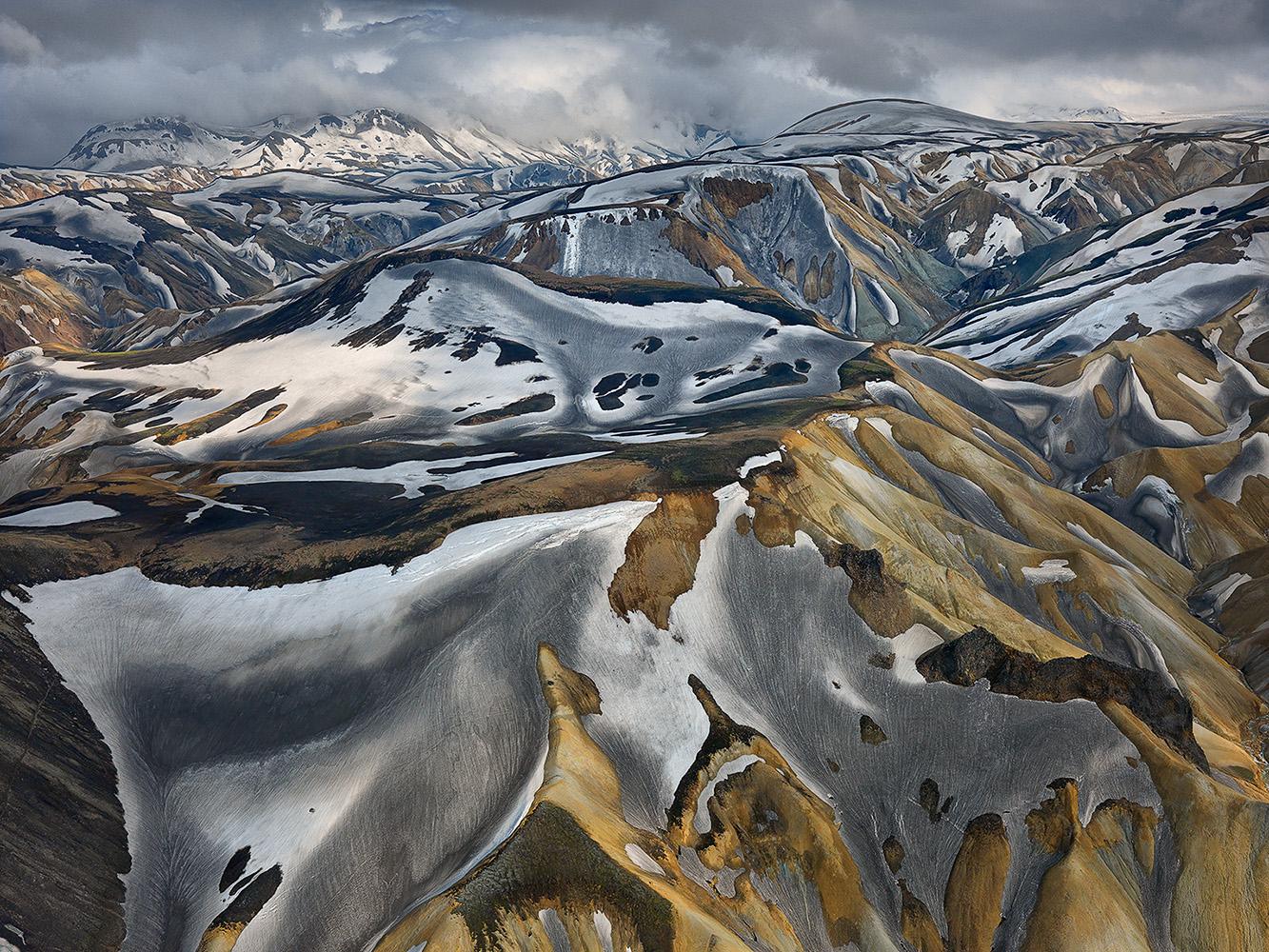 Hans Strand landskapsfoto Fjallabak Island Hasselblad H3DII-50 med HC 50mm II publicerad på Objektivtest.se