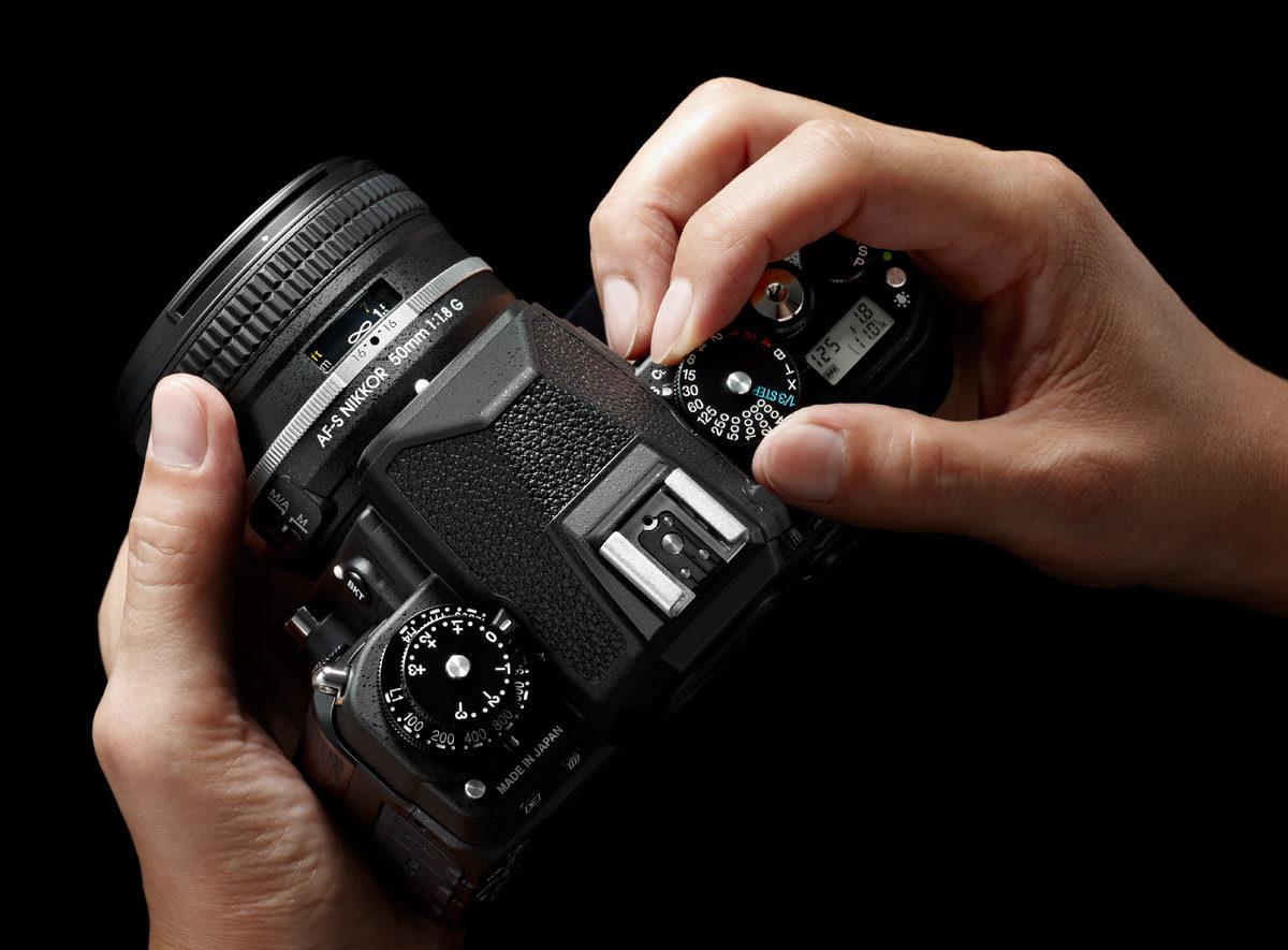 Nikon Df svart manuell slutartidsratt