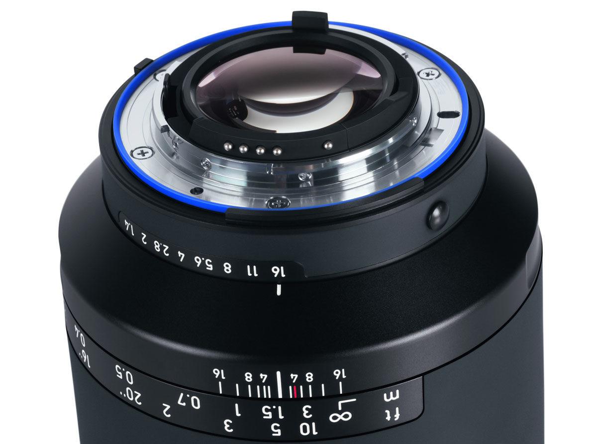 Zeiss Milvus 25mm f/1.4 vädertätat vidvinkelobjektiv för Canon och Nikon