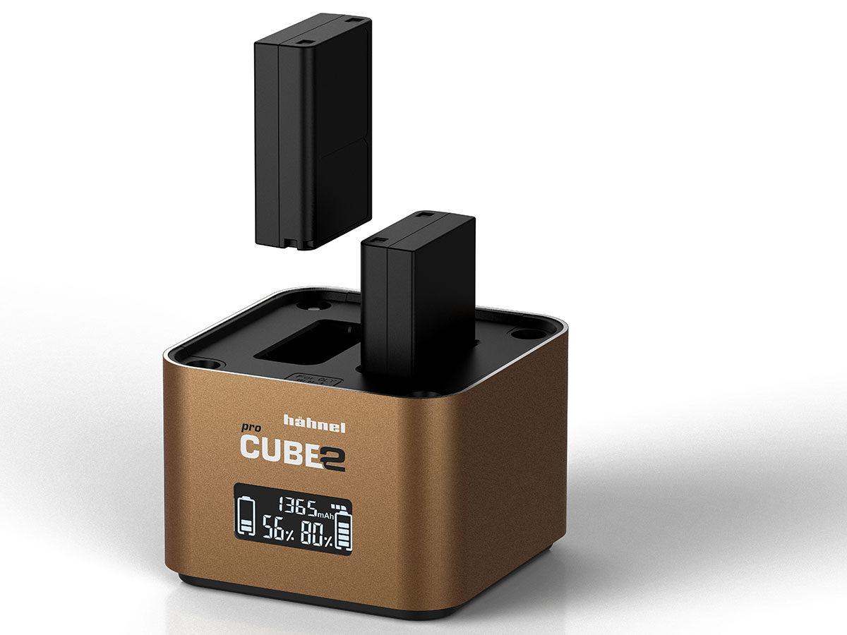 Hähnel Procube 2 är en snabb och avancerad batteriladdare med plats för två st OlympusBLN-1, BLS-5 eller BLH-1 kamerabatterier samtidigt och dessutom 4 st AA-batterier