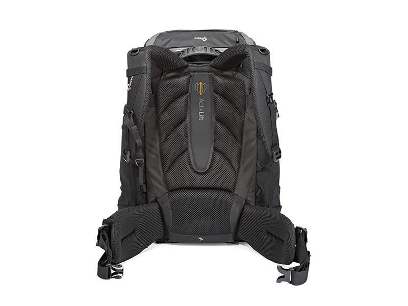 kameraryggsäck Lowepro Pro Trekker 450 AW för naturfotografering, stor fotoutrustning och ljusstarkt teleobjektiv