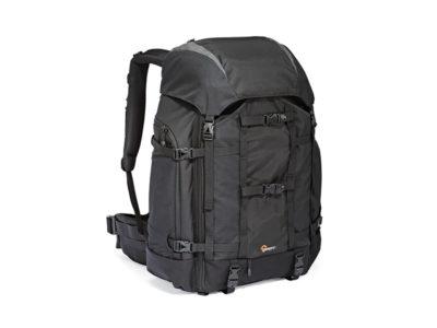 ryggsäck för en stor fotoutrustning och ljusstarkt teleobjektiv
